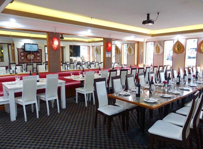 dinner_table_5