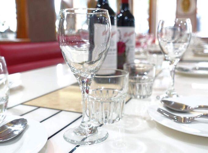 dinner_table_8